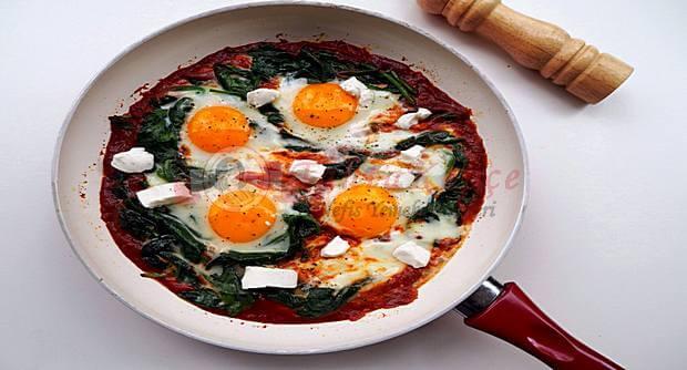 ıspanaklı domatesli yumurta