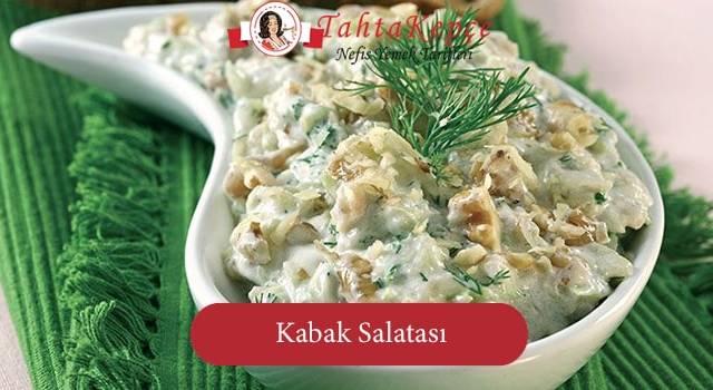 Akşam Yemeklerinizin Vazgeçilmezi Olacak Bir Lezzet: Kabak Salatası
