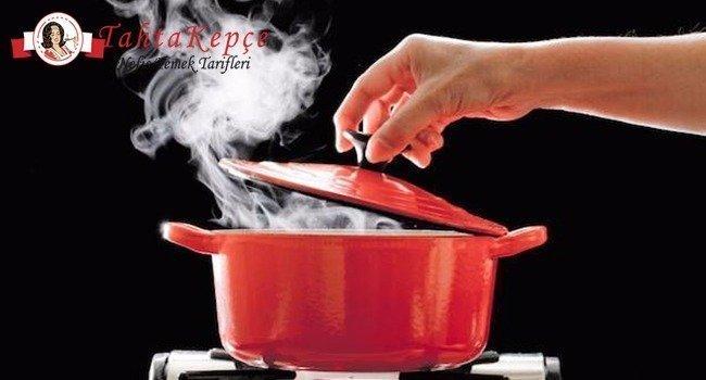 Çorbalar Asla Harlı Ateşte Pişirilmemeli