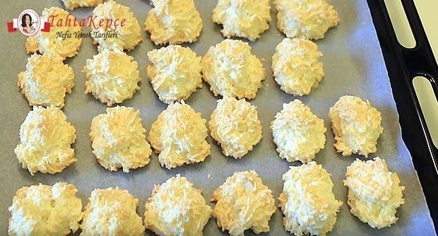 3-malzemeli-hindistan-cevizli-kurabiye-asama-7