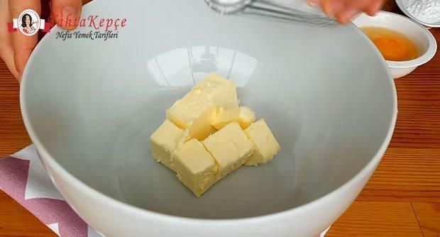damla-cikolatali-kurabiye-tarifi-asama-1
