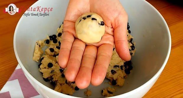 damla-cikolatali-kurabiye-tarifi-asama-7
