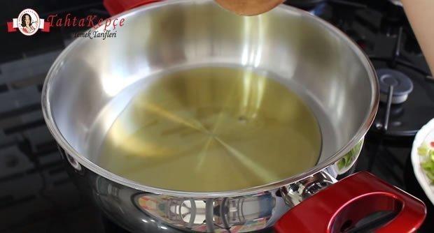 sebzeli-bulgur-pilavi-asama-1