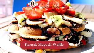 Karışık Meyveli Waffle
