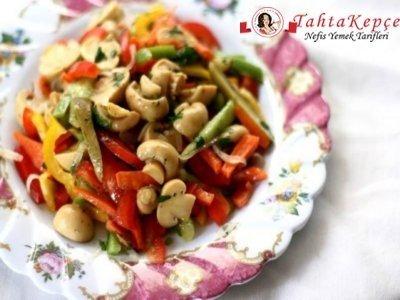 mantarlı yaz salatası