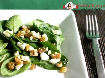 peynirli ve cevizli ıspanak salatası